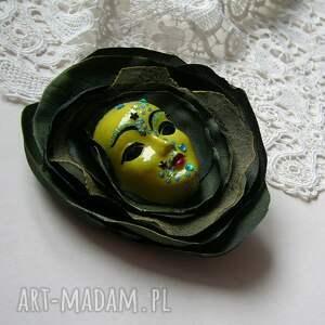 intrygujące broszki broszka z kolekcji masquerade