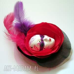 niekonwencjonalne broszki broszka z kolekcji masquerade