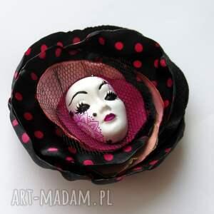 atrakcyjne broszki broszka z kolekcji masquerade