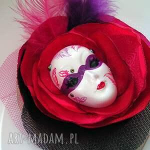 fioletowe broszki maska broszka z kolekcji masquerade
