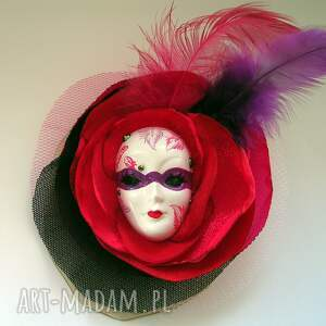 wyjątkowe broszki pióra broszka z kolekcji masquerade