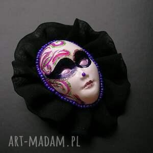 unikalne broszki broszka z kolekcji masquerade