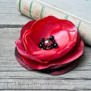 niekonwencjonalne broszki kwiatek czerwona broszka przypinka