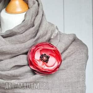 elegancka broszki czerwona broszka przypinka kwiatek