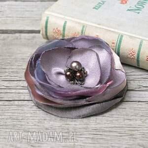 frapujące broszki fioletowy elegancka fioletowa broszka