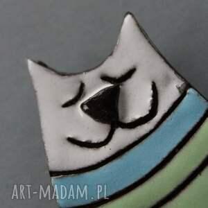 unikatowe broszki kot kiciuś-broszka ceramiczna