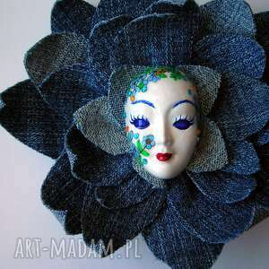 oryginalne broszki maska masquerade - pani wiosna w jeansach