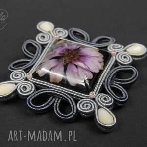 różowe broszki broszka ~mela~ sutasz baroco kwiat