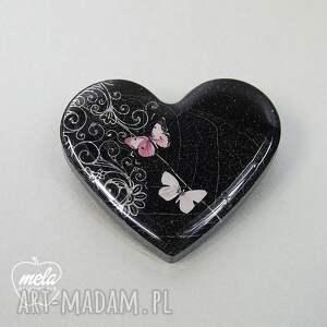 serce broszki 0360/mela broszka z żywicy