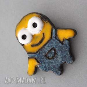 pomysł na świąteczne prezenty minionki minionek bob-broszka ceramiczna