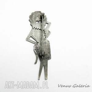 broszki broszka elegancka wykonany ze srebra próby 925