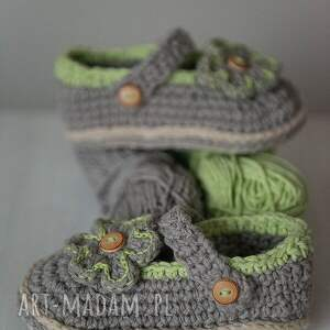 szydełko buciki zielone