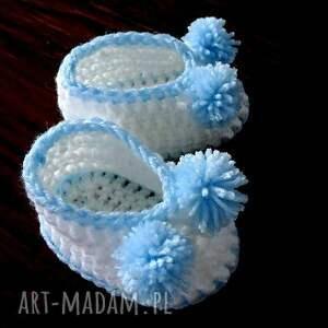 ręcznie zrobione buciki niemowlęce szydełkowe dla