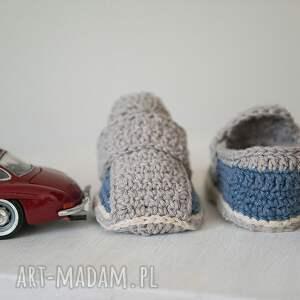białe buciki prezent