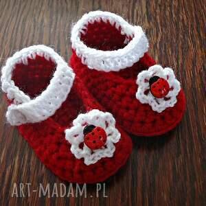 ręcznie robione buciki szydełkowe dziewczęce