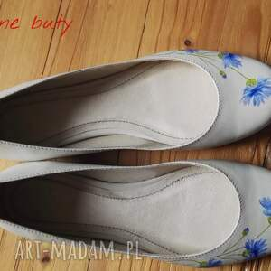 malowane buty niebieskie baleriny chabry