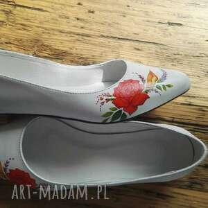 buty góralski baleriny ślubne z czerwonym kwiatem