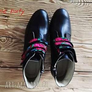 buty rzepy czarownice z paskami tybytu