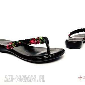czarne buty ludowe góralskie japonki