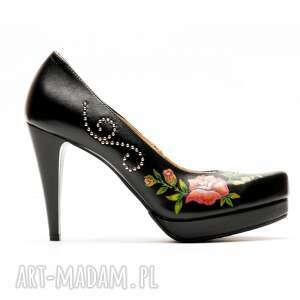 gustowne buty góralskie malowanki