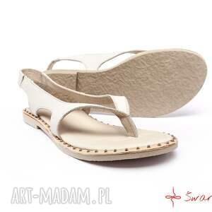 hand made buty góralskie sandały białe