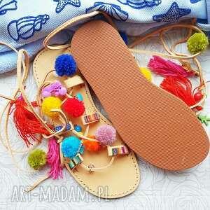 rzymianki buty 40 - kolorowe z pomponami