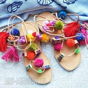 unikalne buty sandały 37 - kolorowe rzymianki z pomponami