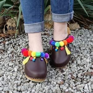 drewniaki buty niepowtarzalne tęczowe boho