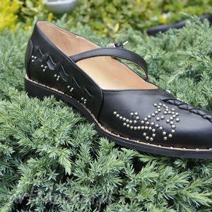 czarne buty kierpce nowoczesne