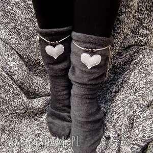 skarpety buty szare cieplutkie i milutkie ocieplacze na stopy