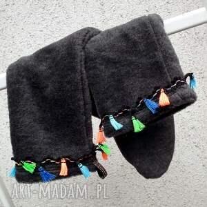 czarne buty skarpetki cieplutkie i milutkie ocieplacze na stopy