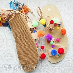 buty: Rozm. 36 Kolorowe sandałki z pomponami w stylu Boho - pompony