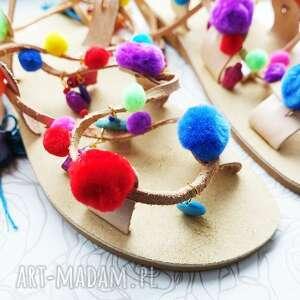 buty: Rozm. 36 Kolorowe sandałki z pomponami w stylu Boho - pompony rzymianki