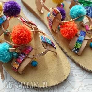 Rozm. 41 Kolorowe sandały z pomponami w stylu boho