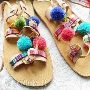intrygujące buty sandały rozm. 40 - kolorowe sandałki