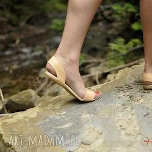 awangardowe buty minimalistyczne sandały takie, że hej!