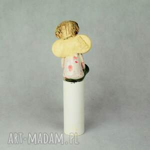 białe ceramika ręcznie-wykonany anioł siedzcy
