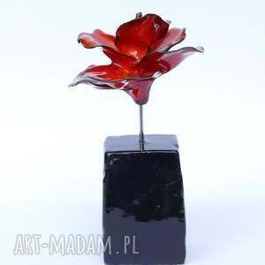 ceramika dla niej ceramiczna róża czerwona