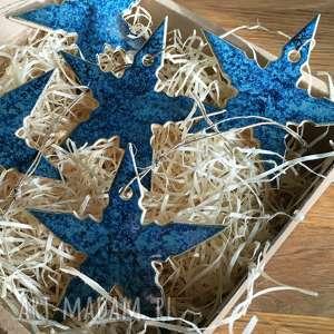 pomysł na upominki na święta ceramiczne ozdoby gwiazdki na choinkę