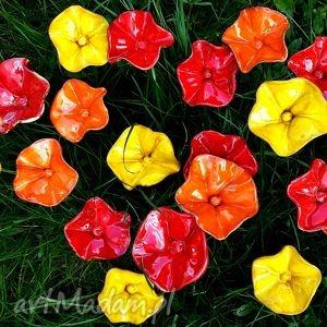 pomarańczowe ceramika kwiaty ceramiczne na druciku