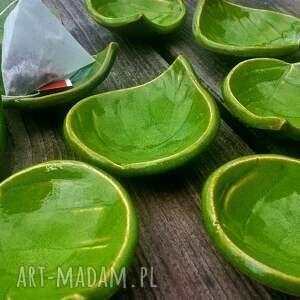 hand-made ceramika fusetka liść