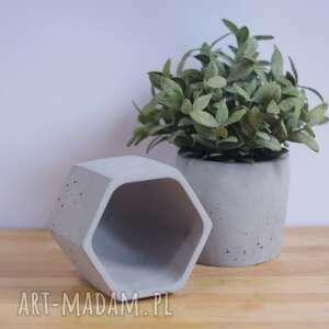 ceramika geometryczna szara betonowa
