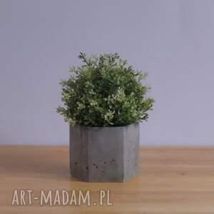 doniczka z-betonu ceramika geometryczna szara betonowa