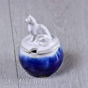 dla miłośnika kotów ceramika mała cukiernica z figurką kota |