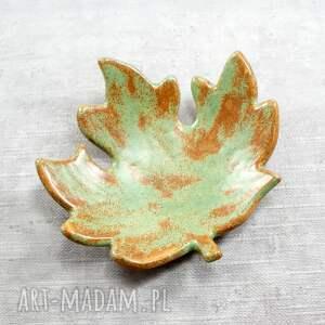 ceramika: miseczka liść klonu jesienny