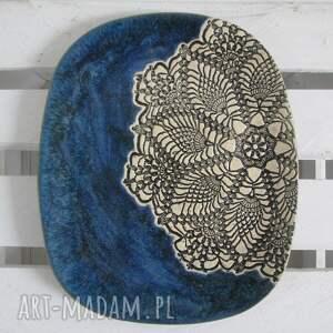 beżowe ceramika owalna patera z koronką