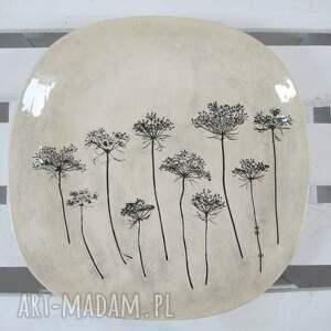 beżowe ceramika talerz patera z roślinami baldachami