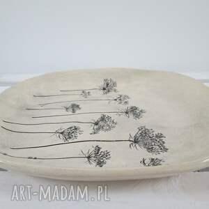 nietypowe ceramika talerz patera z roślinami baldachami
