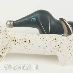 figurki ceramika pies na biżuterię