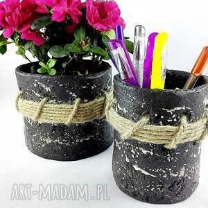 ceramika czarne pojemnik ceramiczny